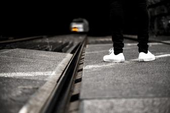 train-1396488_1920.jpg